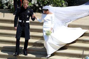 Bật mí về váy cưới của Meghan Markle trong hôn lễ với Hoàng tử Anh