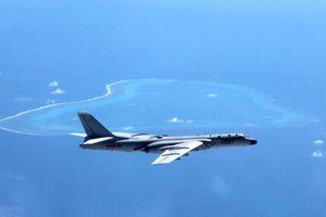 Trung Quốc lần đầu tung máy bay ném bom, khuấy đảo Biển Đông
