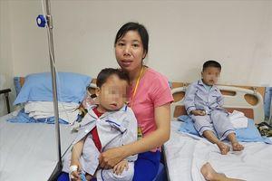 Những đứa trẻ 'quên' tuổi thơ ở bệnh viện