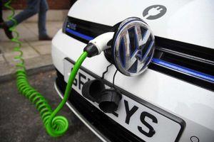 Volkswagen sẽ chi 25 tỉ USD để đảm bảo nguồn cung pin cho xe điện