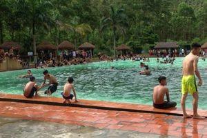 Quảng Ninh: Nam sinh lớp 10 chết đuối trong bể bơi khu du lịch