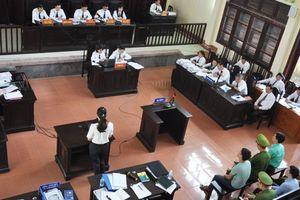 Bác sĩ Hoàng Công Lương phủ nhận lời khai của cựu giám đốc BVĐK Hòa Bình