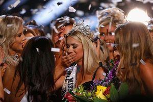Cao 1m65, người đẹp Mỹ vẫn đăng quang Hoa hậu