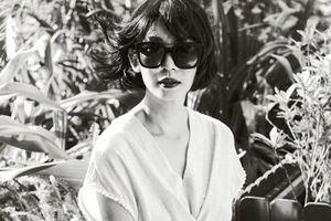 Xuân Lan đầy cuốn hút trong bộ ảnh đen trắng