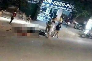 Clip: Container tông xe máy, bé gái 14 tuổi tử vong tại chỗ, mẹ và em gái nguy kịch