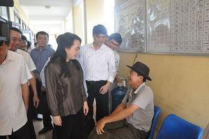 Bộ trưởng Bộ Y tế kiểm tra công tác y tế cơ sở tại Hà Nội