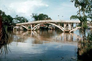 Soi cây cầu xảy ra vụ chen lấn chấn động Sài Gòn xưa
