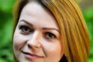 Mạng xã hội xôn xao vì vết sẹo lạ trên cổ con gái cựu điệp viên Skripal