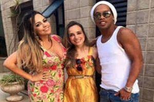 Hôn lễ hi hữu: Ronaldinho sẽ là chồng chung của 2 cô gái
