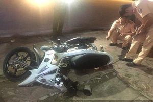 Truy đuổi gần 100 km, khống chế tài xế lao xe vào cảnh sát