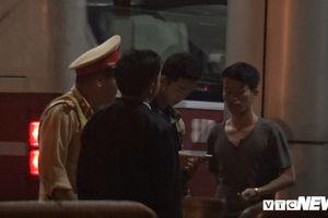 Phản đối thu phí cao, tài xế dừng xe tải hơn 2 giờ đồng hồ tại BOT Quang Đức