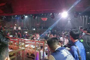 TP.HCM: Công an đột kích bar DC Club, 70 'dân chơi' bị mời về làm việc