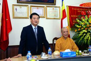 BẢN TIN MẶT TRẬN: Phó Chủ tịch - Tổng Thư ký Hầu A Lềnh chúc mừng Đại lễ Phật đản 2018