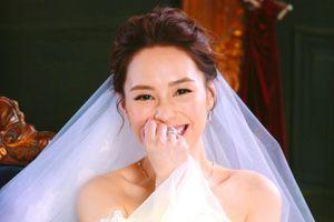 Chung Hân Đồng lộng lẫy đón lễ cưới cổ tích