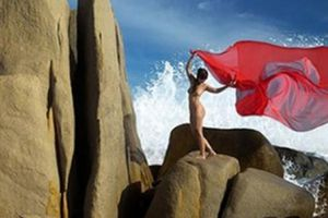 Triển lãm ảnh nude dán nhãn 18+ đã được Bộ VHTTDL cấp phép