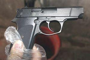 Mâu thuẫn tiền bạc, giang hồ Sài Gòn nổ súng trong quán cà phê
