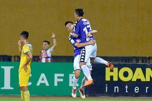Vòng 9 V-League: Thắng nghẹt thở Thanh Hóa, Hà Nội FC vững ngôi đầu