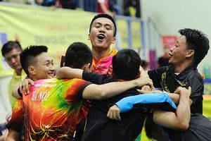 Nguyễn Anh Tú (nam), Nguyễn Thị Nga (nữ) lần đầu vô địch toàn quốc