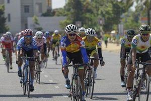 Chặng 4 giải xe đạp truyền hình Bình Dương: Thứ hạng không đổi sau chặng đua vòng quanh