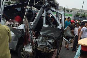 Tai nạn thảm khốc xe tải tông xe khách, 2 người chết, nhiều người bị thương