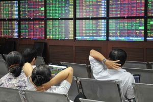 Khối ngoại bán ròng hơn 2.300 tỉ đồng trong một tuần