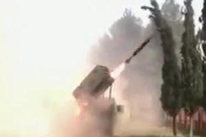 Quân đội Syria nã pháo phản lực san phẳng phòng tuyến của khủng bố IS