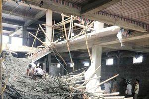 Nam Định: Sập giàn giáo công trình, nhiều người bị vùi lấp