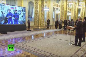 Lãnh đạo Nga, Nhật gọi điện hình ảnh tới trạm ISS