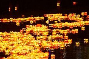 Dòng sông hoa đăng đẹp lung linh giữa Sài Gòn