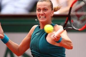Roland Garros: Kvitova ngược dòng đi tiếp, Azarenka dừng bước ngay vòng 1