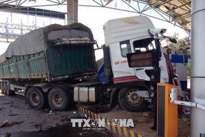Liên tiếp các vụ xe tải gây tai nạn tại Trạm thu phí Liên Đầm