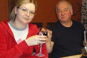 Hé lộ tình trạng sức khỏe 'khó đoán' của cha con cựu điệp viên Skripal