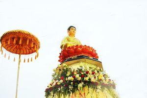 Xe hoa Đà Lạt rực rỡ trong Đại lễ Phật đản