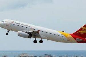Nứt chằng chịt trên cửa sổ buồng lái, máy bay trên hành trình tới Cam Ranh phải hạ cánh khẩn