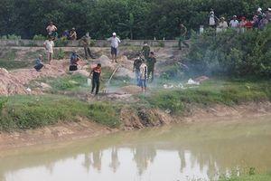 Nam công nhân bị nhóm người vây đánh, rơi xuống kênh tử vong