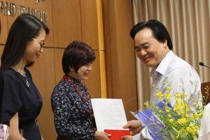 Bộ trưởng Bộ GD&ĐT trao quyết định bổ nhiệm Phó Tổng Biên tập Báo Giáo dục và Thời đại