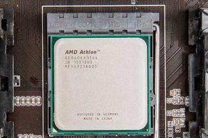 AMD Athlon chuẩn bị 'tái xuất giang hồ' với kiến trúc Zen