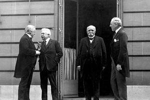 Rút khỏi Hiệp ước Versailles, Mỹ đã gây ra cuộc chiến tàn khốc nhất lịch sử