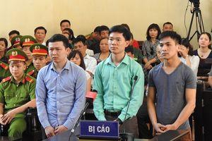 Xử sơ thẩm vụ chết 9 bệnh nhân tại Hòa Bình: Tranh luận nảy lửa về chứng cứ buộc tội