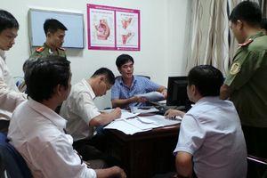 Bác sĩ đăng ký hành nghề cùng lúc tại 3 cơ sở
