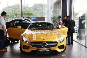 Mercedes AMG GT S có giá gần 10 tỷ đồng vừa được trao tay đại gia