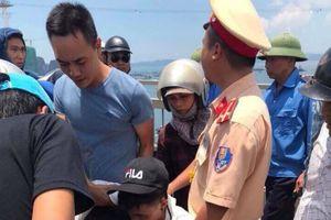 Trung úy CSGT kể phút giải cứu chớp nhoáng nam thanh niên đòi nhảy cầu Bãi Cháy
