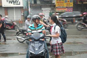 Cha mẹ, thầy cô đồng hành cùng các thí sinh