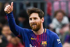 Trung vệ Arsenal giải thích vì sao Messi giỏi hơn Ronaldo