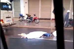 Qua đường, một cụ bà bị xe khách tông tử vong