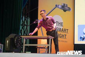 Đèn học thông minh 4.0 đầu tiên 'made by Vietnam'