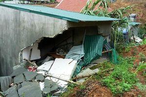 Thanh Hóa: Sập nhà lúc rạng sáng vì mưa lớn, 3 người thương vong