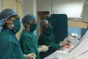 Suýt mất mạng vì bướu mỡ cơ mạch thận to và bị vỡ