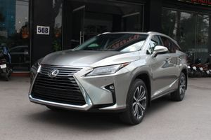 Vì sao dòng xe Lexus được đại lý tư nhân liên tiếp nhập về?