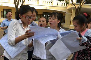 Thi tuyển sinh vào lớp 10 tại Nghệ An: Thí sinh hăng say bàn luận về đề thi môn tổ hợp